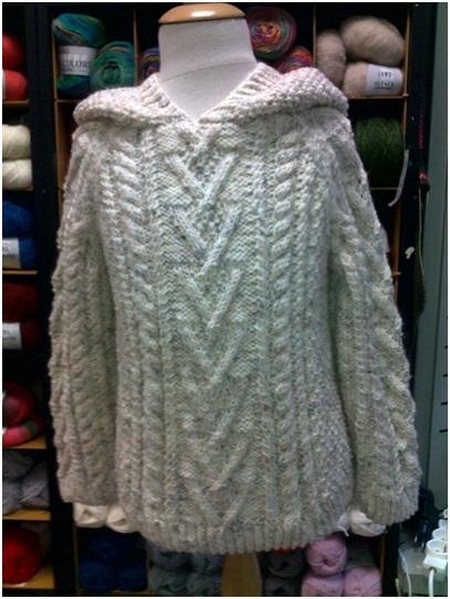 Mercerie_Sens-Fil_a_point--Pull enfant avec capuche laine et acrylique